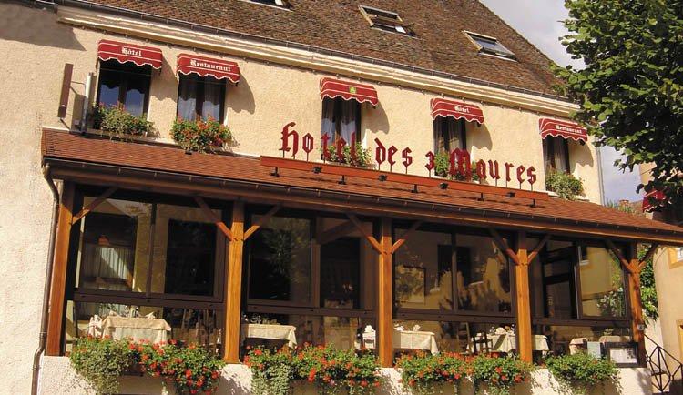 fh-30_hotel_trois_maures_exterieur.jpg