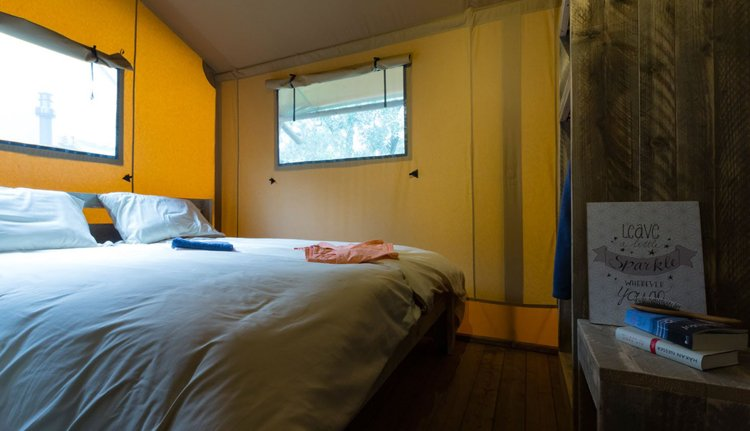 spotty lodge_masterbedroom.jpg