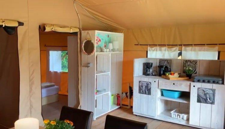 camping_borken_am_see_safaritenten_zonder_badkamer_keuken.jpg