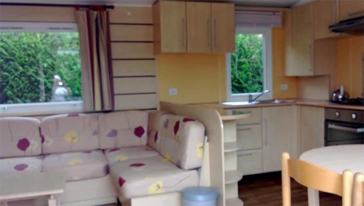 Stacaravan Platinum - keuken Camping La Croix du Vieux Pont