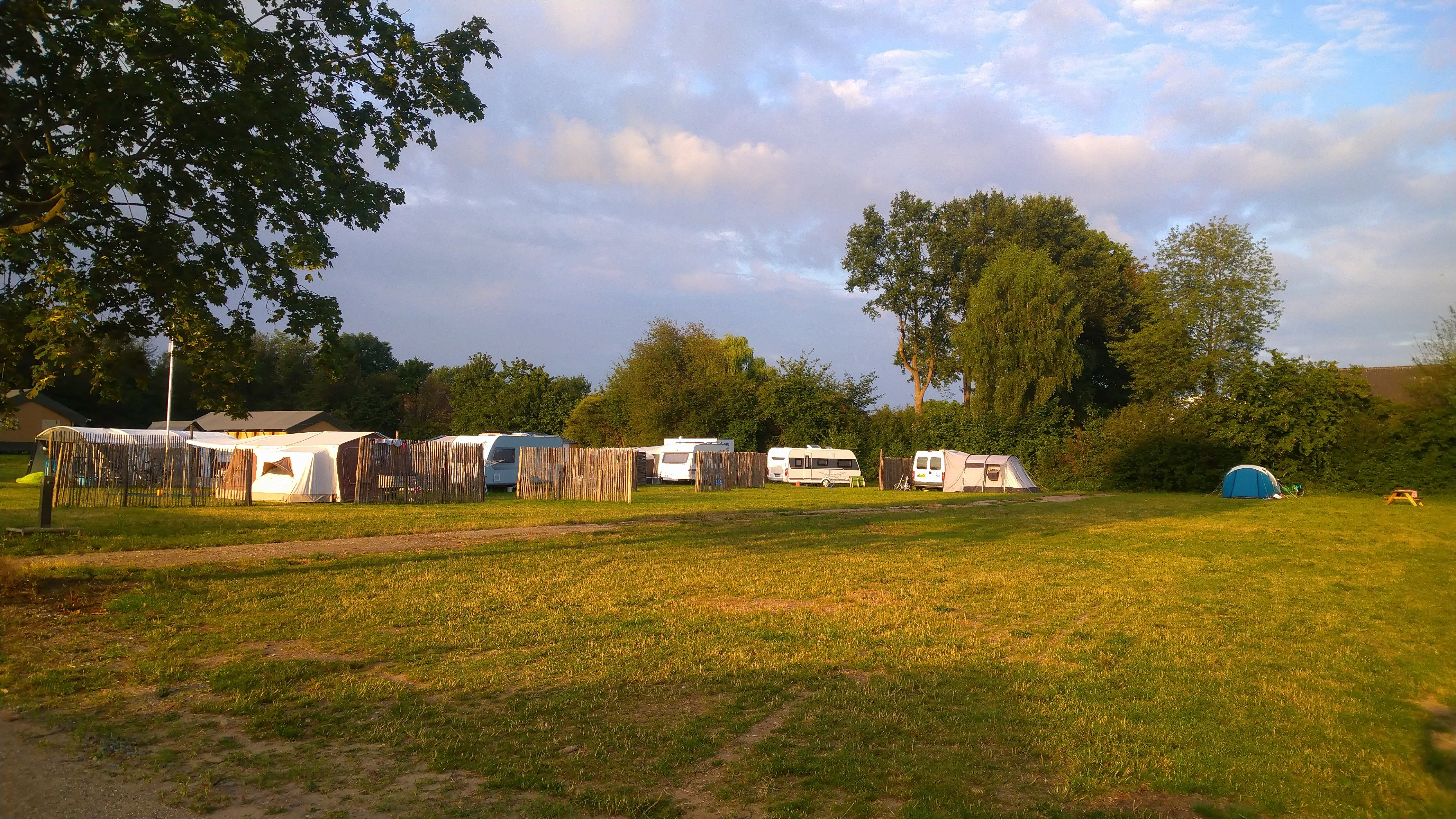 kampeerplaats02.jpg