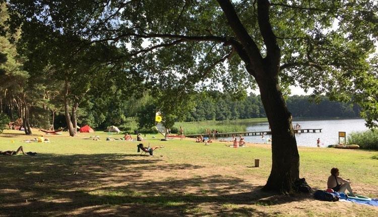 Camping am Blanksee ligweide bij meer