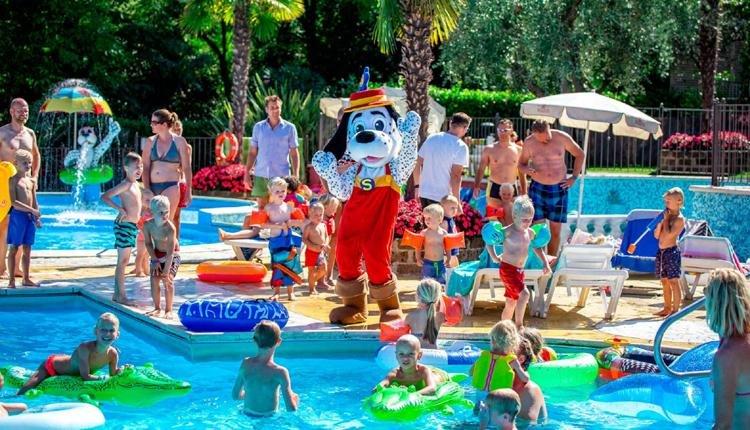 camping_weekend animatie zwembad