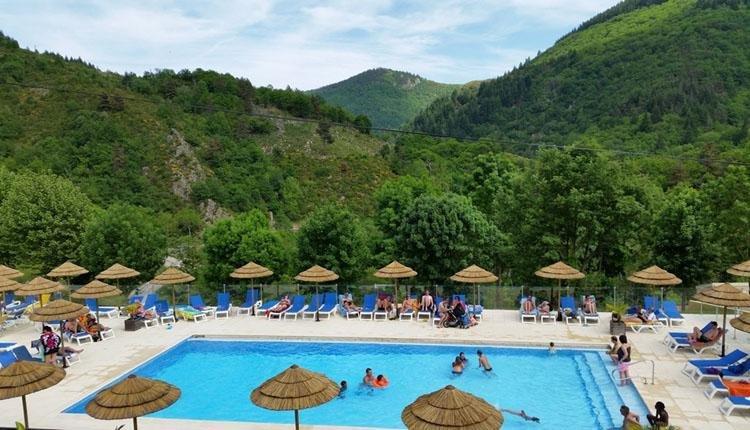 Camping Ardechois zwembad